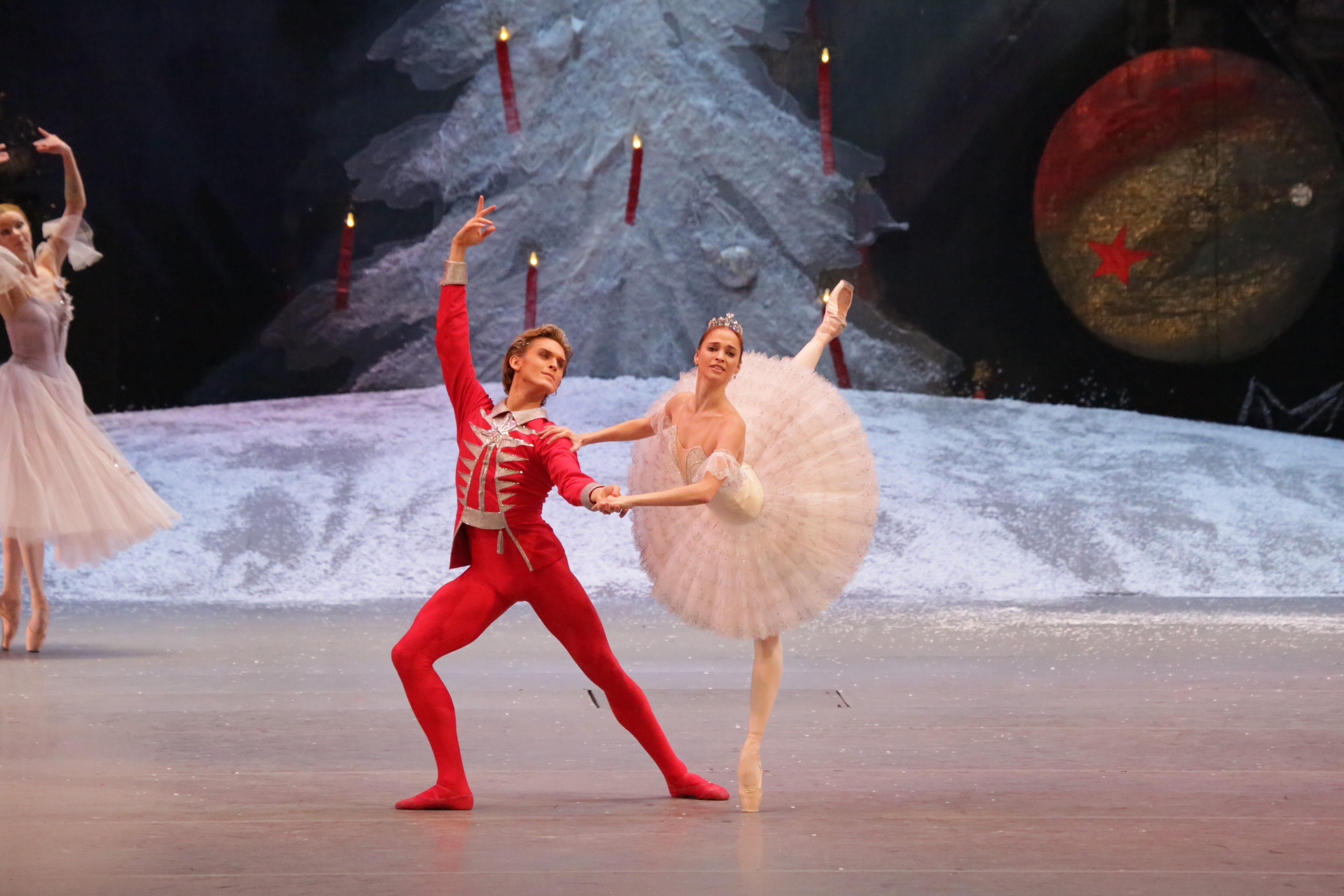 Nutcracker, Ana Nikulina and Denis Rodkin (credit: Damir Yusupov)