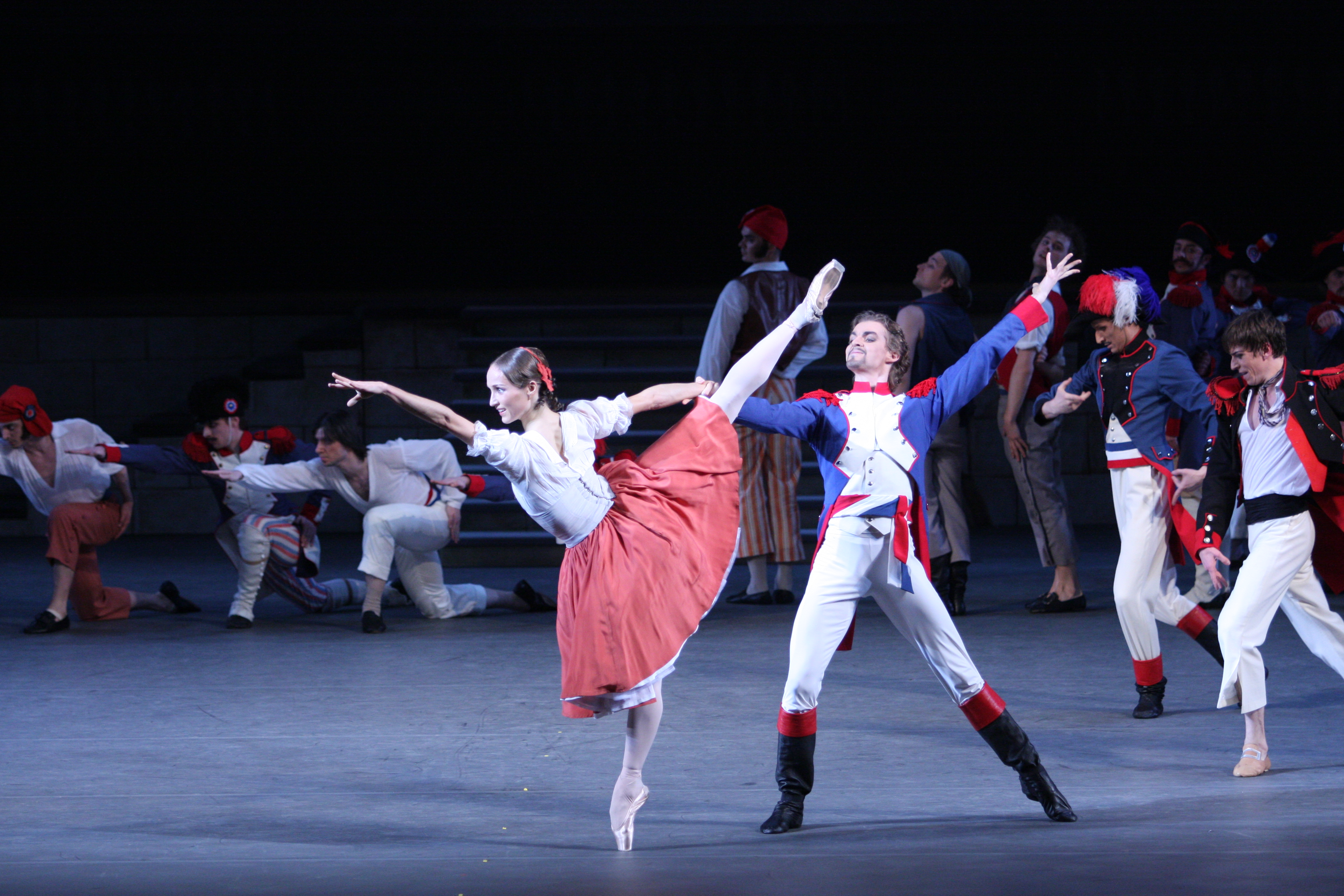 Flames of Paris, Ekaterina Shipulina and Alexander Volchkov (credit: Damir Yusupov)