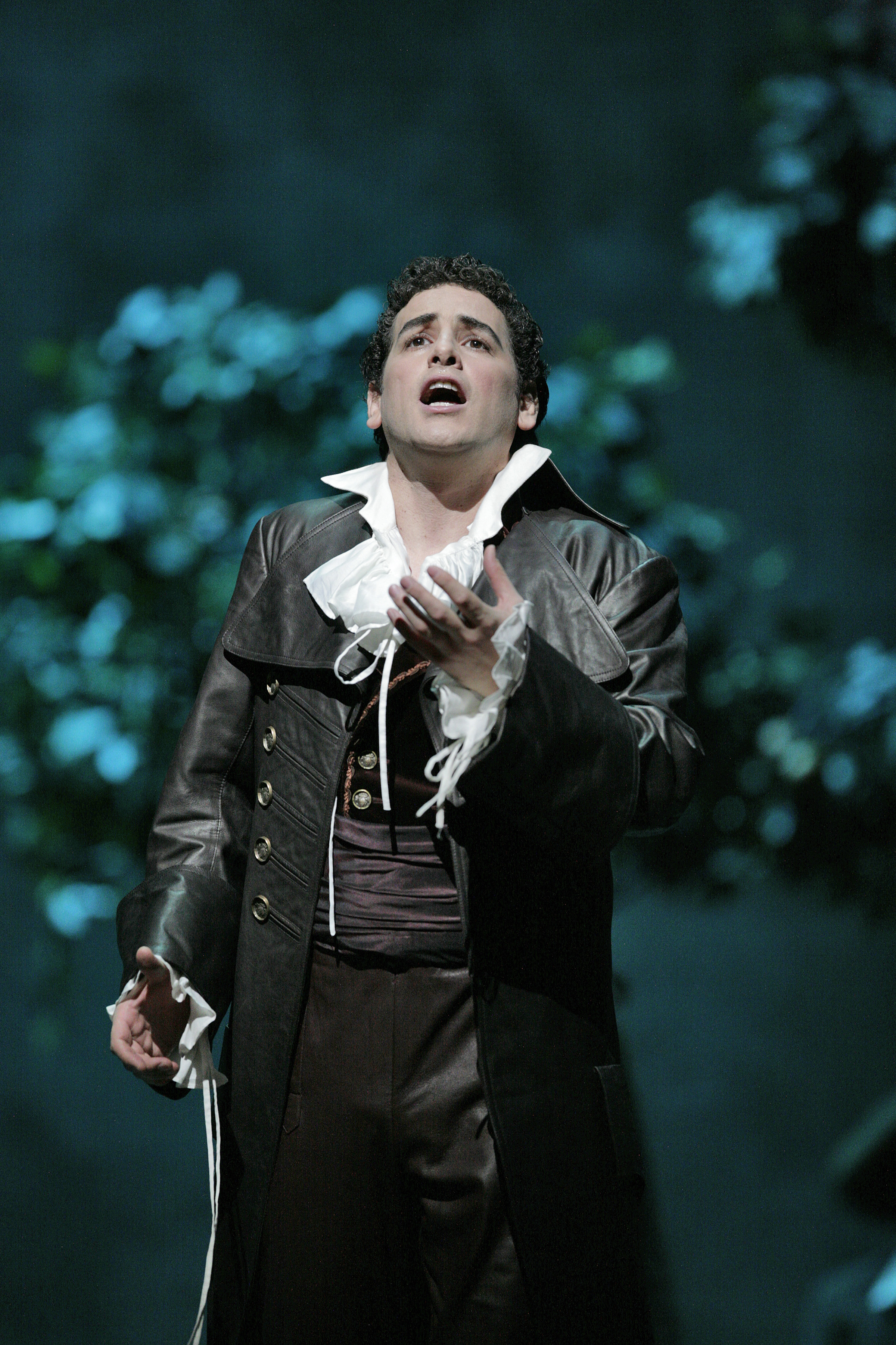 "Juan Diego Flórez (pictured above in Rossini's ""Il Barbiere di Siviglia"") sings the role of Alfredo in Verdi's ""La Traviata."" (Credit: Ken Howard)"