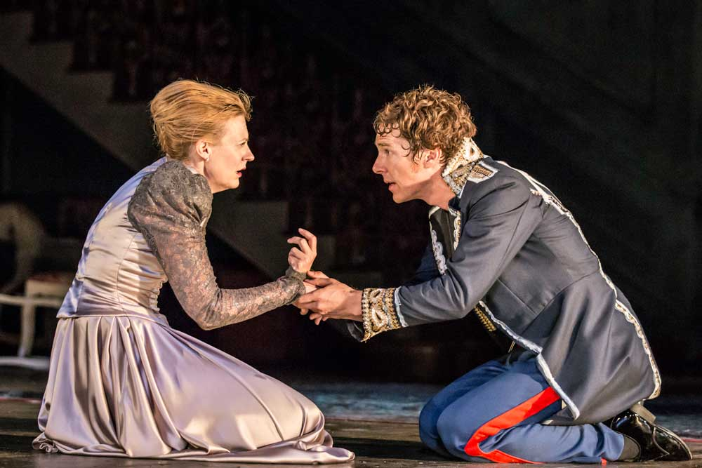 Anastasia Hille (Gertrude) and Benedict Cumberbatch (Hamlet) in Hamlet at the Barbican Theatre